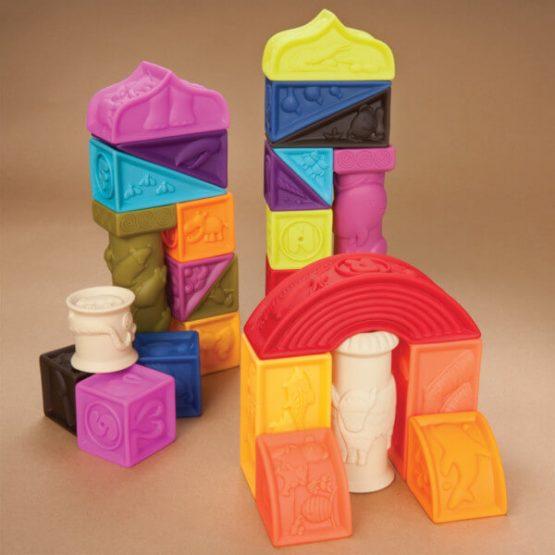 miękkie klocki, b.toys, kolocki sensoryczne, pierwsze klocki