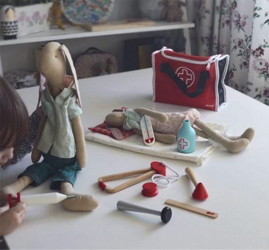 zestaw dla dziecka do zabawy w lekarza Janod
