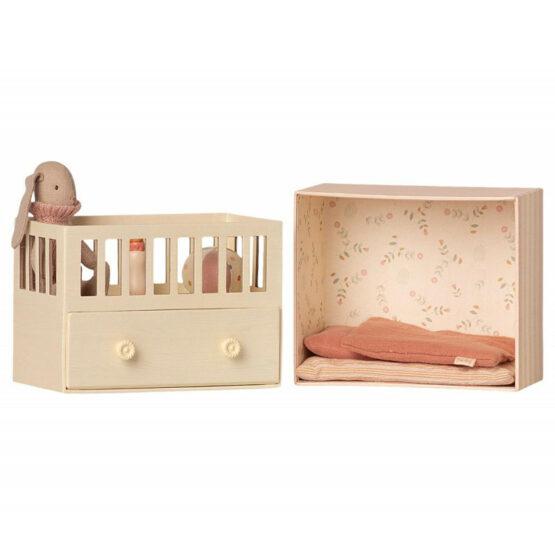 Króliczek w łóżeczku, różowy (Maileg)